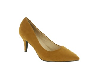 Red Circle Footwear Tan Pumps