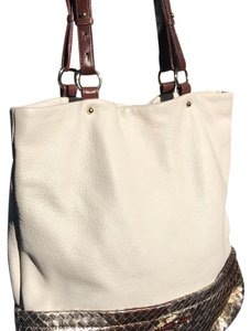 Elliott Lucca Tote in White and silver brown checkered bottom