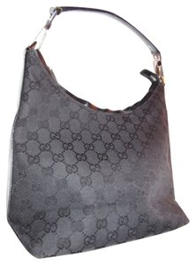 Gucci Chrome Hardware Dressy Or Hard To Find Style Mint Vintage Perfect Everyday Hobo Bag