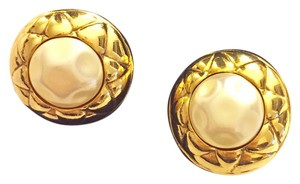 Chanel pearl CHANEL EARRING