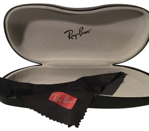 Ray-Ban hardshell sunglasses case with cloth