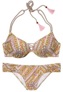 Victoria's Secret Victoria's secret push up 34 d and teeny bottom M
