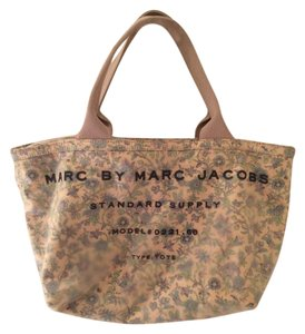 Marc by Marc Jacobs Tote in Floral