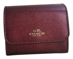 Coach ACCORDION CARD CASE WALLET IN CROSSGRAIN LEATHER Metallic Cherry