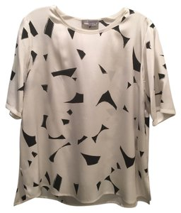Vince Silk Graphic Top Black and white