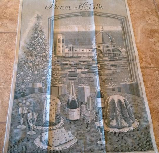 Preload https://img-static.tradesy.com/item/20379226/greens-sur-la-table-italian-buon-natale-kitchen-towel-other-0-0-540-540.jpg