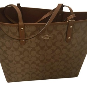 Coach Dooney & Burke Sale Tote in Tan/tan logo