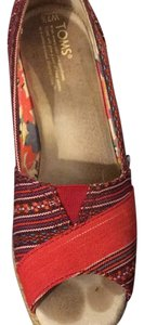 TOMS red print Wedges