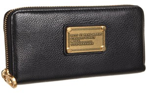 Marc by Marc Jacobs NWT Slim Classic Zip Around Wallet