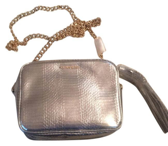 Item - Silver Pleather Cross Body Bag
