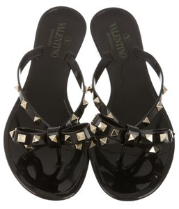 Valentino Bow Jelly Rockstud Embellished Gold Hardware Black, Gold Sandals