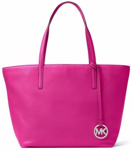 Michael Kors Pebble Leather Izzy Large Tote in FUSCHIA