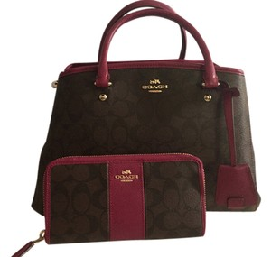 Coach Satchel in Brown/fuschia