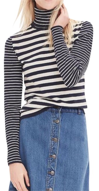 Preload https://img-static.tradesy.com/item/20380774/banana-republic-stripes-blue-and-white-turtleneck-sweaterpullover-size-4-s-0-1-650-650.jpg