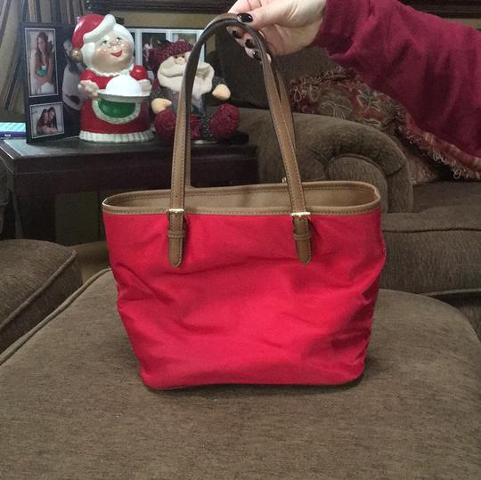 Michael Kors Tote in red Image 1