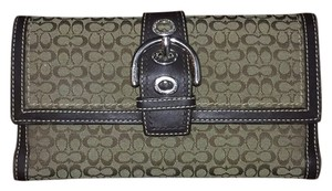 Coach Coach Signature Buckle Trifold Wallet