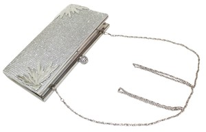 Vestures Flourish Crystal Large Silver Clutch