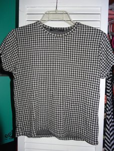 Brandy Melville Crop Cropped Houndstooth & Soft T Shirt Black & White