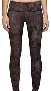 Lululemon Special Edition Wunder Under Yoga Athletic Pants Black and Gold