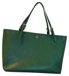 1061f20ee4e Tory Burch Bags - Up to 90% off at Tradesy
