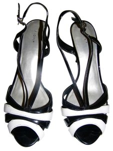 Fioni Stiletto Black & White Pumps