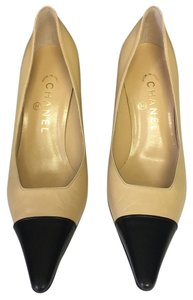 Chanel Tan/Black Pumps