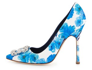 Manolo Blahnik Floral White/Blue Floral Pumps