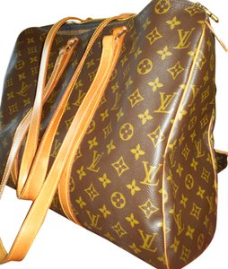 Louis Vuitton Immaculate Flattering Lovely Shoulder Bag