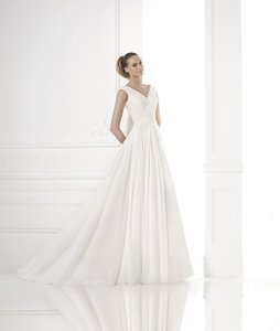 Pronovias Mayda Wedding Dress