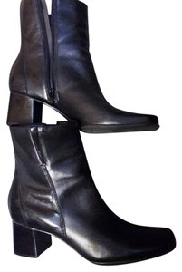 Naturalizer Leather Upper Rarely Worn Black Boots
