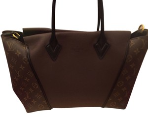 Louis Vuitton Exclusive Tote in Brown