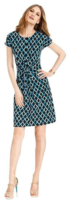 Preload https://img-static.tradesy.com/item/203907/vince-camuto-easy-geometry-above-knee-short-casual-dress-size-6-s-0-0-650-650.jpg