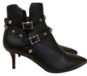 Valentino Stiletto Rockstud Studded Pebbled Leather black Boots