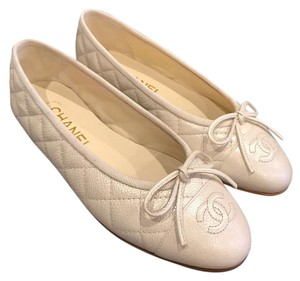 Chanel Pearl Caviar Quilted ivory Flats