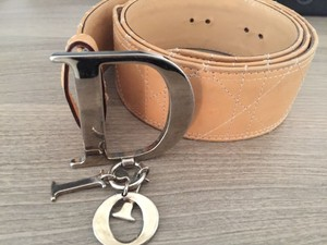 Dior leather belt with dior logo buckle