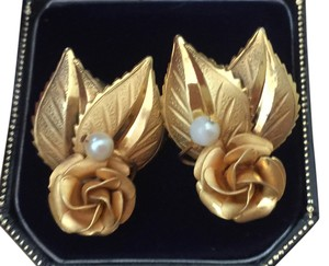Zales 14K Yellow Gold & Rose Gold Pearl Floral Stud Earrings