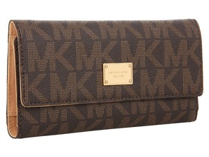 Michael Kors Michael Kors Jet Set Travel Continental Wallet MK Logo Checkbook