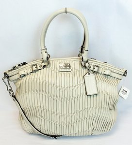 Coach 18643 Madison Gathered Leather Lindsey Satchel in Parchment