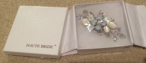 Authentic Haute Bride Couture Rhinestone/pearl Hair Clip