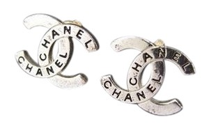 Chanel 98P CC Pierce Earrings 212696