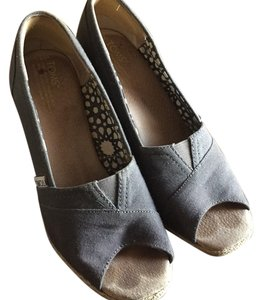 TOMS Gray Wedges