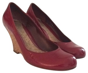 Kenneth Cole Reaction Patent leather Red Wedges