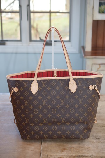 e4fff4d39 ... Louis Vuitton Lv Neverfull Mm Neverfull Gm Tote in Monogram w/ Cerise  Lining Image 1