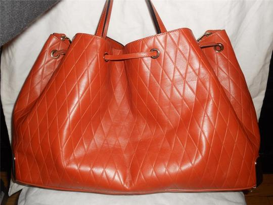 Chloé Tote in Charlie Large Diamond Crossbody Bucket Shopper Terracota Leather Tote Image 6