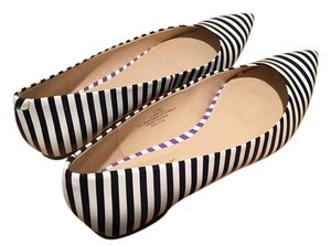 Nine West Flat Striped black and white Flats
