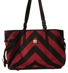 Dooney & Bourke Tote in red and brown
