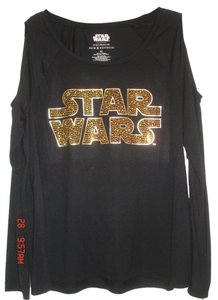 Rock & Republic Studs Monogram Free Gift Included Star Wars Earrings T Shirt Black