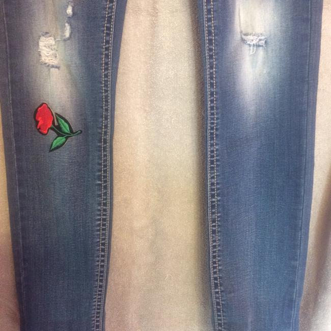 Almost Famous Clothing Skinny Jeans-Distressed Image 3