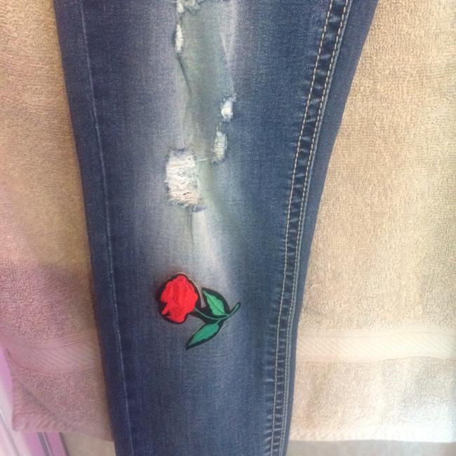 Almost Famous Clothing Skinny Jeans-Distressed Image 4