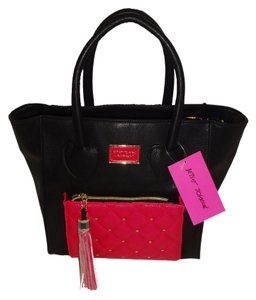 Betsey Johnson Black Cross Body Satchel in BLACK/FUCHSIA